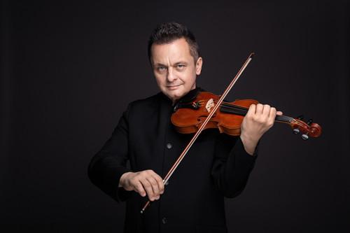 小提琴,罗伯特·卡巴拉,卡特维兹音乐学院,维尼亚夫斯基小提琴比赛,