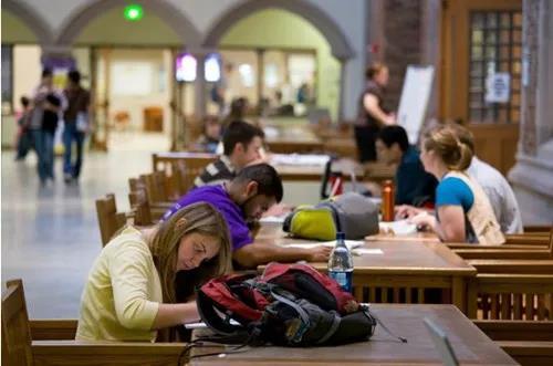美国留学,美国留学生,美国学生出勤率,美国大学出勤率,留学
